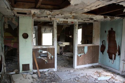 IMG_2780-inside-abandoned-house-2