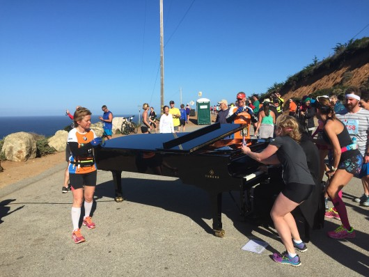 The infamous piano man on the Big Sur marathon course